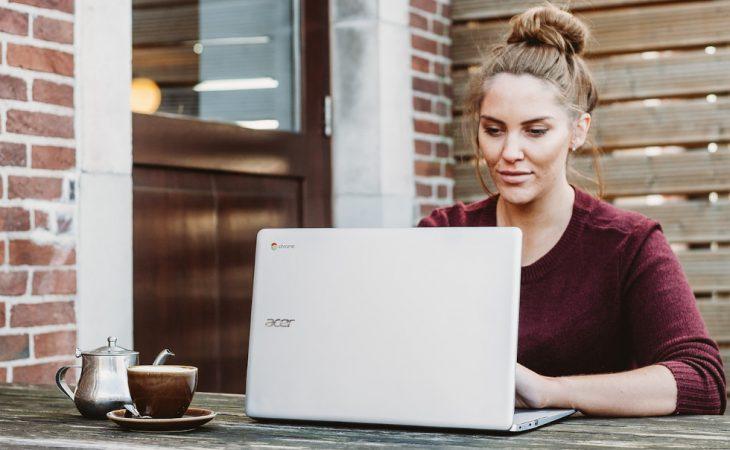 best laptop - girl working - acer aspire
