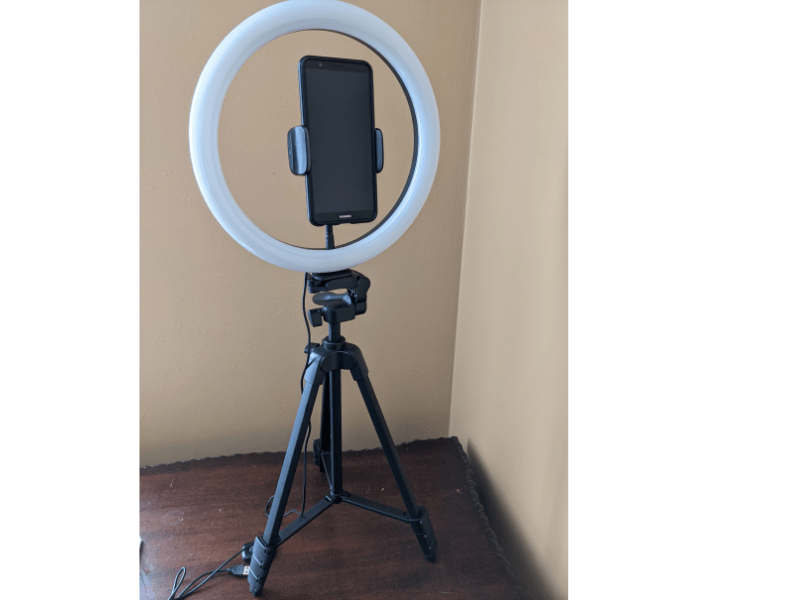 Tonor Ring Light With Stand - ring and phone (1)