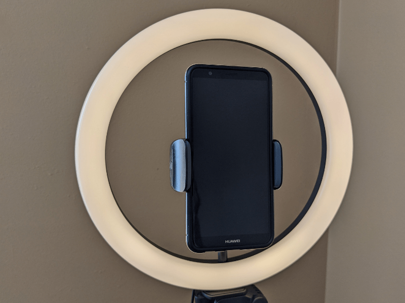 Tonor Ring Light With Stand - ring and phone